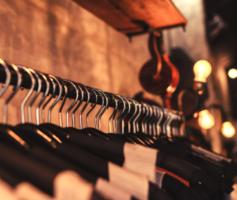 77 nomes criativos para lojas de roupas que vão te inspirar!